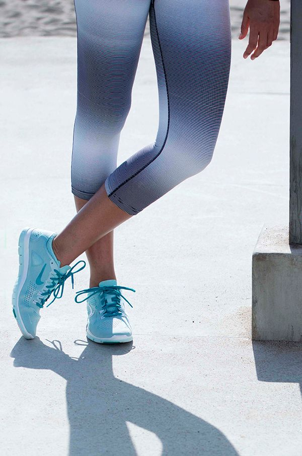 Go-to tights. The Nike Legendary Horizon Training Capris hug your body from hip to hem for an ideal fit.