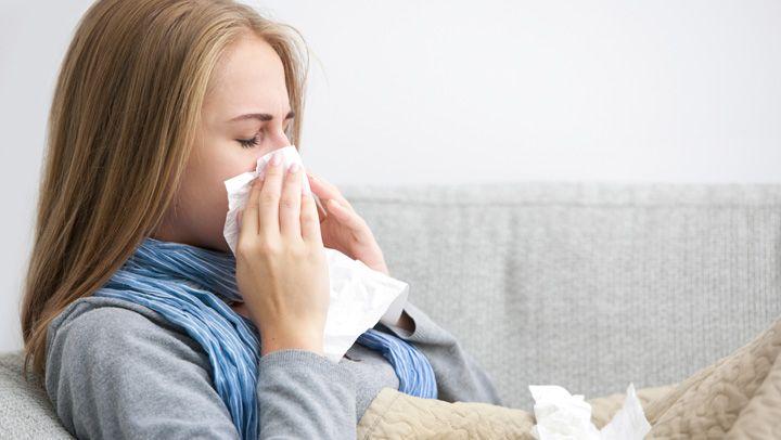 Ahora que se acerca el invierno, es bueno que nos vayamos preparando para enfrentarnos a la gripe y el resfriado. Como sabemos, para esta temporada aumenta el número de personas que se contagian con ambas. Y es que el frío de esta época del año crea el ambiente perfecto para que este virus se difunda …