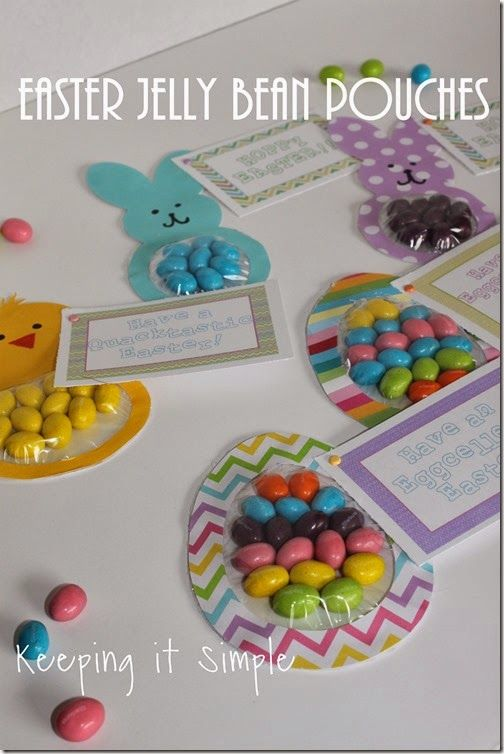 Easy Easter Treat Idea: Jelly Bean Candy Pouches {Free Printable}