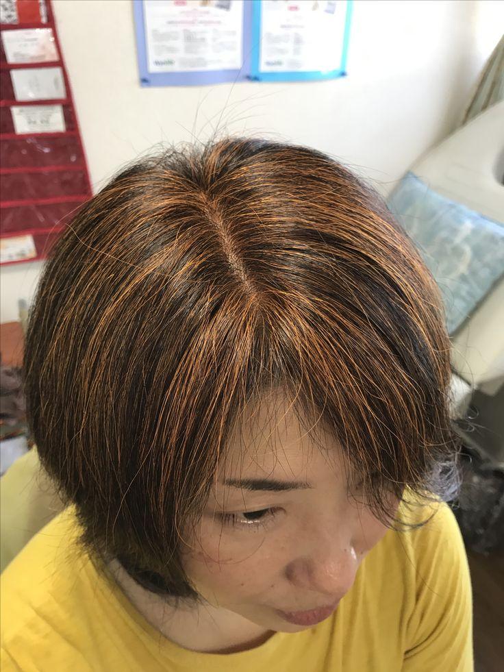 2017 9月8日 まりこさんはずっと黄金色でやってましたが 初めてヘナが1番多いだいだいをのせてみました。  深みが増して栗色に近い艶髪になりました✨