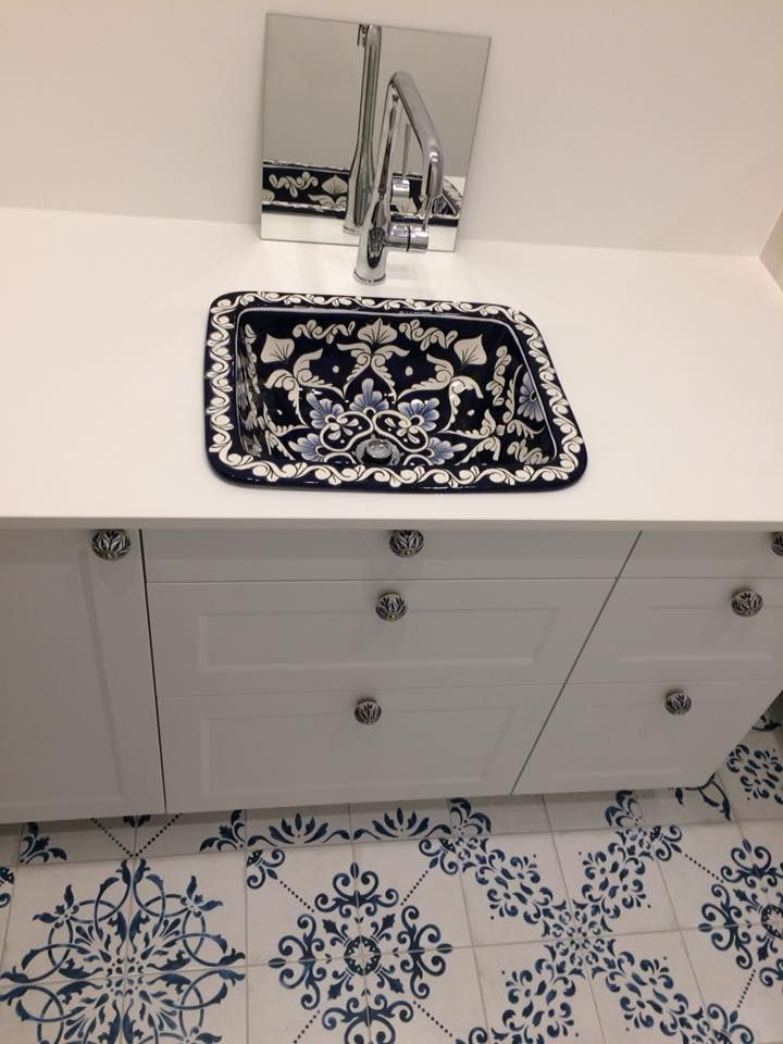 Mexikanische Eckige Waschbecken Handbemalte Keramik Talavera Waschbecken Aus Mexiko Badezimmer Ideen Mex Badezimmer Waschtische Waschbecken Badezimmerideen