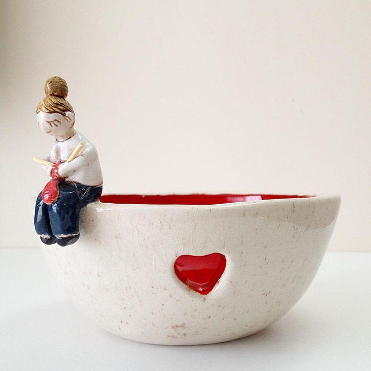 A yarn bowl made by me #yarn #knitting #yarnbowl #crochet #ceramics #clay #pottery #ceramique #keramik #keramika #handmade #makersgonnamake #seramik #iplikkasesi #örgü. #elişi #elyapımı