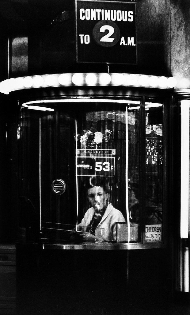 William Klein. New York 1955 http://lens.blogs.nytimes.com/2013/03/15/william-kleins-paint-and-light-show/?_r=0