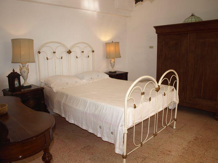 Habitación de matrimonio climatizada y con baño