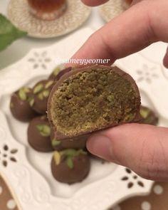 """9,165 Beğenme, 222 Yorum - Instagram'da Sümeyye Acartürk (@sumeyyeomer): """"Bu öyle bir tarif ki, baklava desen değil, çikolata desen değil, fıstık ezmesi değil, hepsinin…"""""""