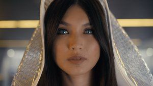 Watch Humans [S1E4] : Episode 4 Full Episode Online for Free in HD @ http://minato.networktv.us/watch/humans-62822/season-1   Air Date : June 14th, 2015 Season Number : 1 Episode Number : 4 Episode Name : Episode 4 Networks : Channel 4, AMC Genres : Drama, Science Fiction  Storyline: Laura insists the family take Anita for testing when Mattie tells her that she's seen Anita acting strangely, while Hobb is on Niska's trail.  Casts: William Hurt, Ivanno Jeremiah, Pixie Davies, Emily Ber