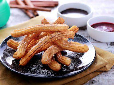 Homemade Churros | Esta receta es de unos deliciosos homemade churros para que disfrutes con toda tu familia. Es un delicioso postre que se puede combinar con cajeta o nuetalla, untaselo al churro y veras como los vas a disfrutar.
