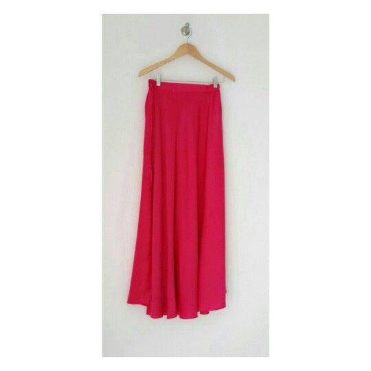 Brightening your day with Flared Pink #identity #bebold #hijab #hijabfashion #skirt #shockingpink #premiumquality #dailylooks