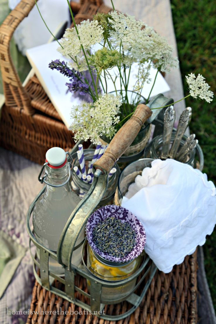 the prettiest little lavender picnic by the lake...