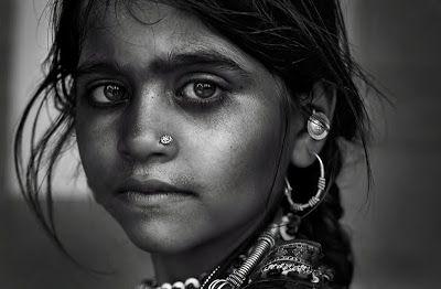 VINTAGE, EL GLAMOUR DE ANTAÑO: Caritas tristes de niños en blanco y negro