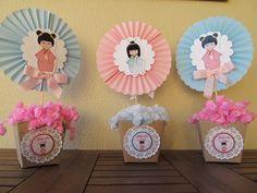 Lindo centro de mesa com aplique em scrap da boneca kokeshi, feito com papel 180gr . R$ 15,00