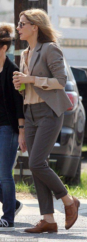 Sandra Bullock debuts blonde hair on set of new film
