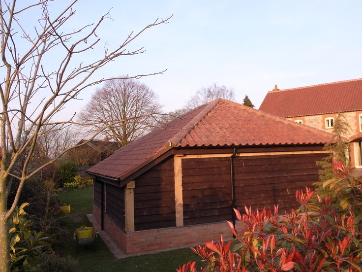 Timber Frame Garage, back and side view (HOF)