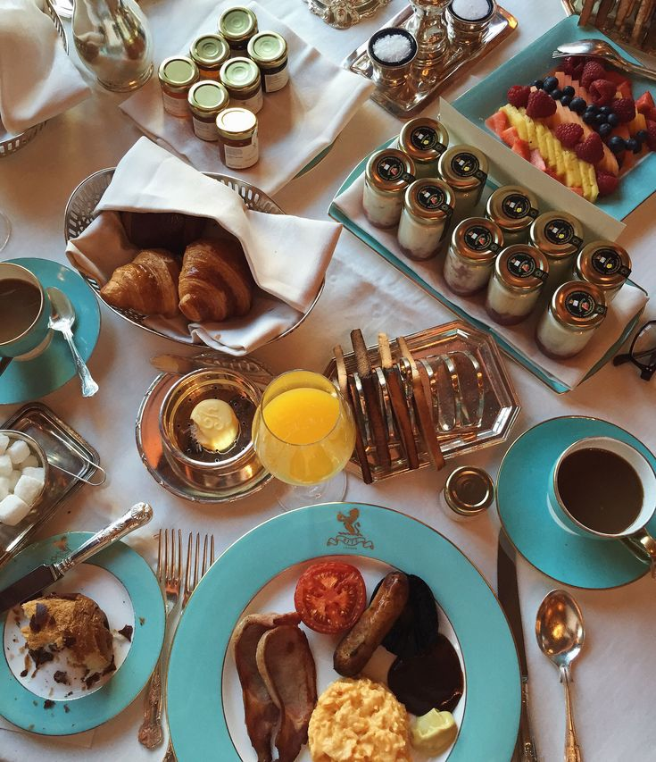 Brunch fit for a queen! Breakfast at The Ritz London