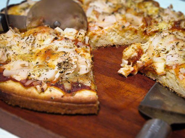 Massa de pizza. | 15 receitas de liquidificador que até você vai conseguir fazer