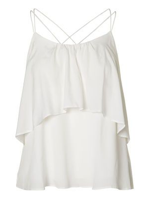 Amazing top from VERO MODA. Wear it with a pencil skirt or a pair of skinny jeans to your next party. #veromoda #top #white #party #fashion #style