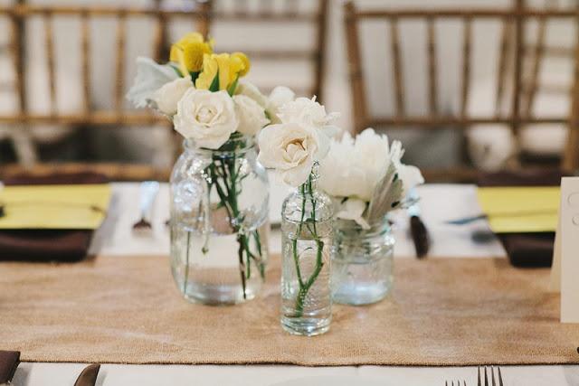 THE NORWEGIAN WEDDING BLOG   Inspirasjon Brud og Bryllup   Ultimate Bridal Inspirations: Ekte Låvebryllup av Q Avenue Photo   First Look