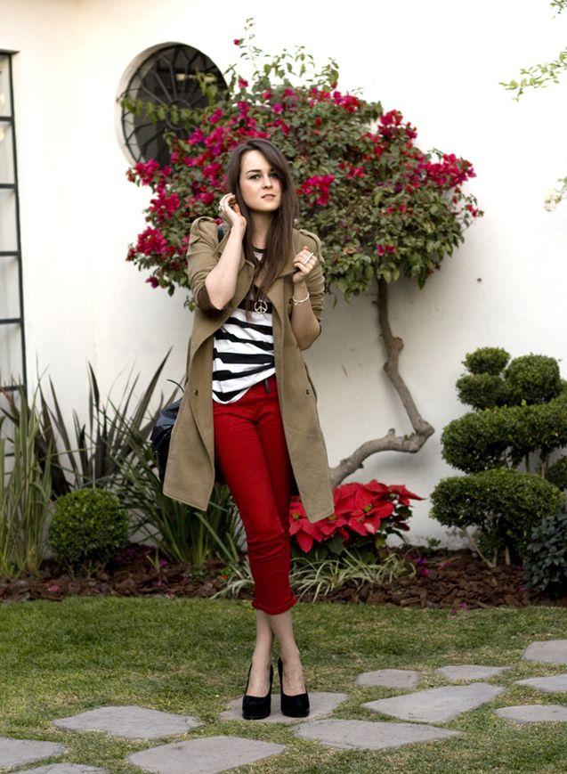 Resultado de imagen para outfit pantalon rojo mujer