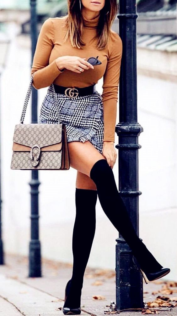 2019 Summer Fashion Ideas – Brown cute top with sexy short skirt 2