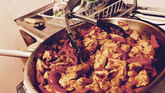 Healthy Chicken Fajita's with Lettuce Cups - The Lite Backpacker