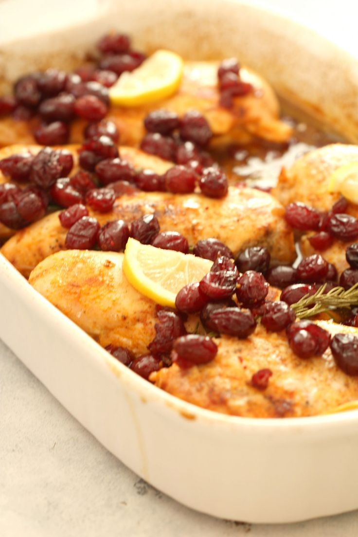 Cranberry Chicken Bake – Six Sisters' Stuff | You won't feel guilty about feeding this festive dinner to your family! It's clean, healthy, delicious and takes minutes to throw together and put in the oven. #healthydinners #recipe #familyfavorites #winterdinners