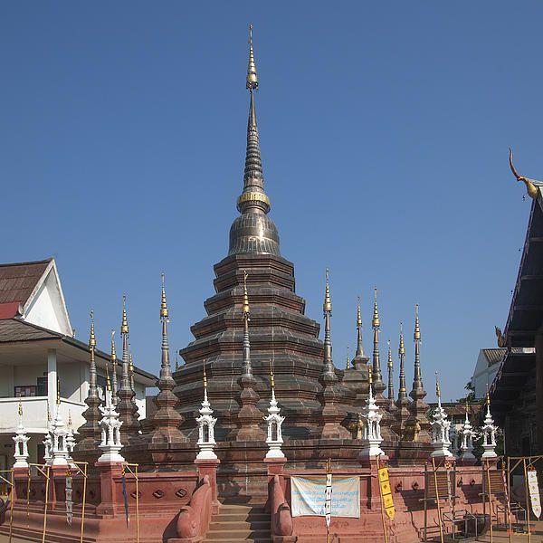 2013 Photograph, Wat Phan Tao Phra Chedi, Tambon Phra Sing, Mueang Chiang Mai District, Chiang Mai Province, Thailand. © 2013.  ภาพถ่าย ๒๕๕๖ วัดพันเตา พระเจดีย์ ตำบลพระสิงห์ เมืองเชียงใหม่ จังหวัดเชียงใหม่ ประเทศไทย