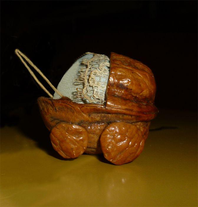 Cochecito con cascara de nuez artesanias pinterest - Cascara nueces para decorar ...