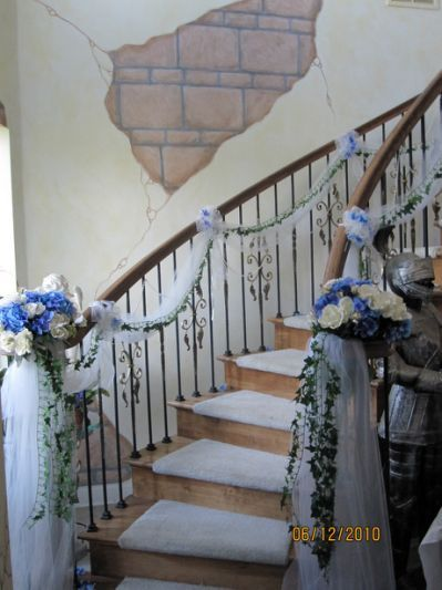 Sis N Laws Wedding Staircase At The Castle Tulle And Ivy Were Already Tied We Just Added Blue Silk Hydrangeas White Roses To Curl Of