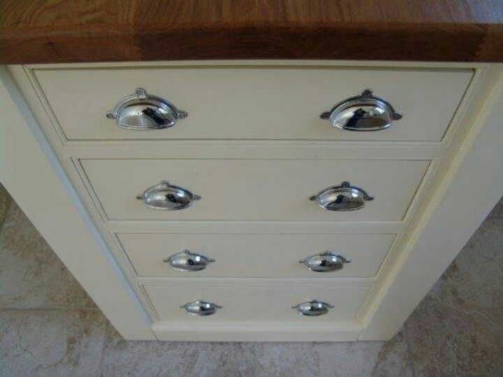 a lingerie chest painted with farrow ball tallow paint farrow ball tallow 203. Black Bedroom Furniture Sets. Home Design Ideas
