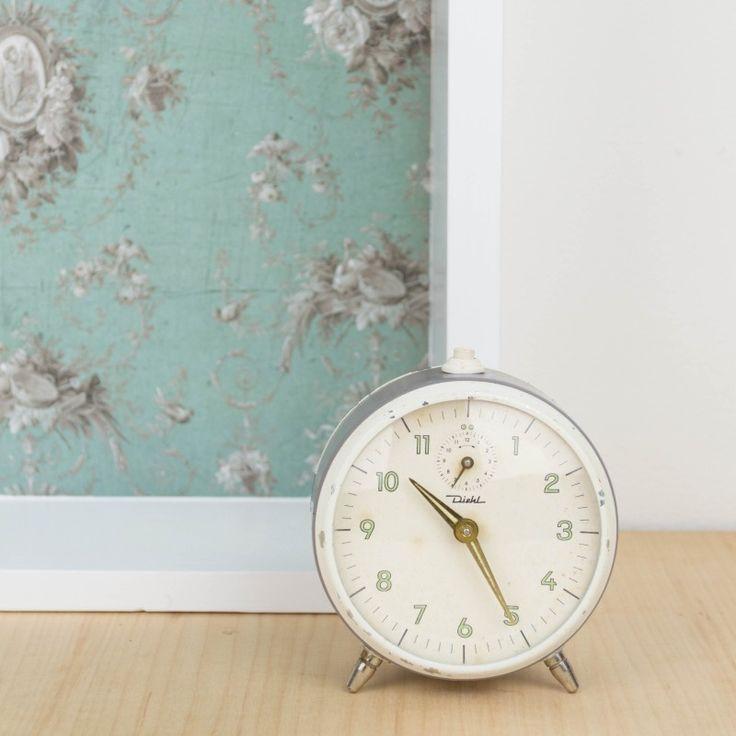 Reloj despertador vintage color gris | Antic&Chic