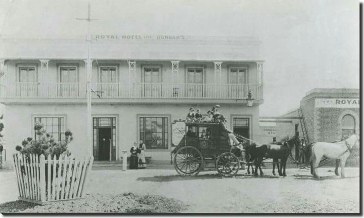 Cobb & Co at the Royal Hotel Dandenong in Victoria (year unknown).