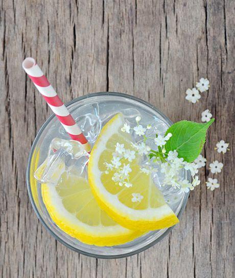 3 ALKOHOLFRIE DRINKS MED HYLDBLOMST Skønne iskolde sommerdrinks der kan nydes af børn - og de voksne der ikke kan - eller har lyst til at alkohol ...