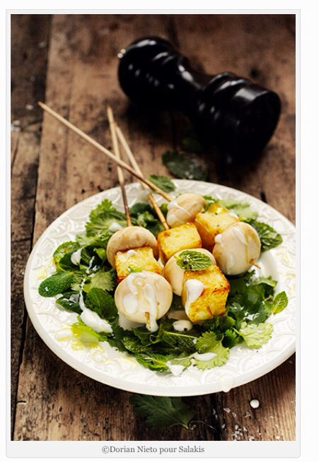 Brochettes Grillis & champignons de Dorian Nieto