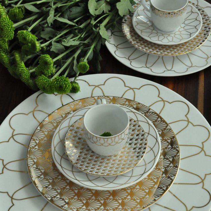 ZESTAW DO ESPRESSO POZŁACANY 4 CZ. Polska marka Vola to nowoczesny wygląd, proste formy oraz monochromatyczne zdobienia. Produkty zachwycają unikalnym wzornictwem oraz różnorodnością dekoracji – od subtelnych po wyraziste.