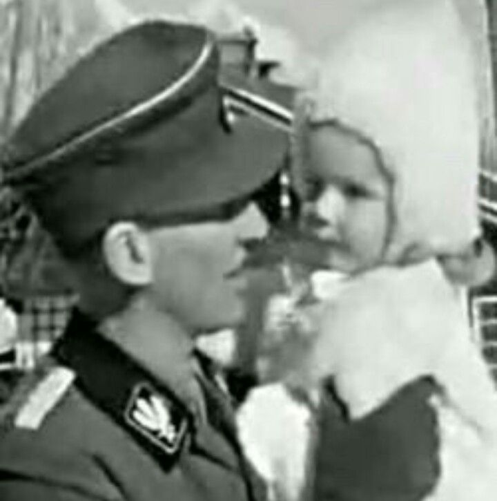 Reinhard Heydrich with his daughter Silke #reinhardheydrich #nsdap #thirdreich #warcriminal