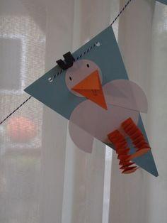 Papieren vlaggen >> http://2.bp.blogspot.com/-F9GaMoNeXho/UJPlKiUZwnI/AAAAAAAAF-g/VJor2WcBq3w/s1600/vlaggen+quinn+001.JPG