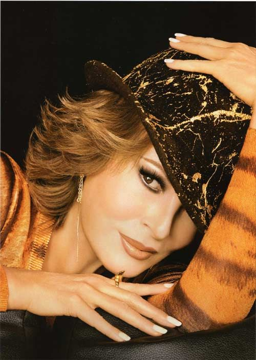Rod Keenan New York -  Raquel Welch, M.A.C. #passion4hats