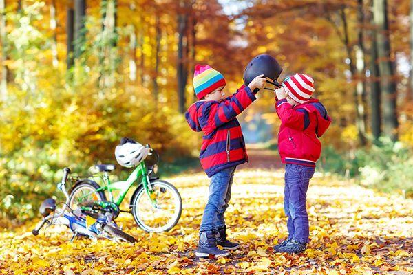 Ελεύθερη μετάφραση από το KidsGo. Στις μέρες μας, η ανατροφή των παιδιών είναι ένα εγχείρημα του οποίου ο βαθμός δυσκολίας αυξάνεται διαρκώς. Οι μεταβαλλόμενοι τρόποι ζωής μας, οι τεχνολογικές εξελ...