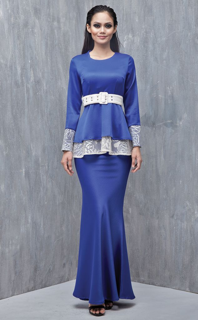 EMEL X SAZZY FALAK - ROYAL STAR - Modern Peplum with Textured Lace (Blue) This peplum design is simple yet sophisticated, featuring textured lace on the peplum and sleeves as well as on the belt for a demure and feminine look. Adjustable belt included with purchase (removable). #emelxCLPTS #emelxSazzyFalak #emelbymelindalooi #bajuraya #bajukurung #emel2016 #raya2016 #SazzyFalak #lookbook #peplum #lace #blue