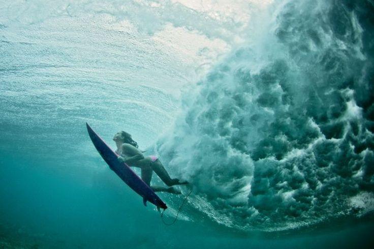Já imaginou como seria levar um caldo de uma onda de dez metros de altura?