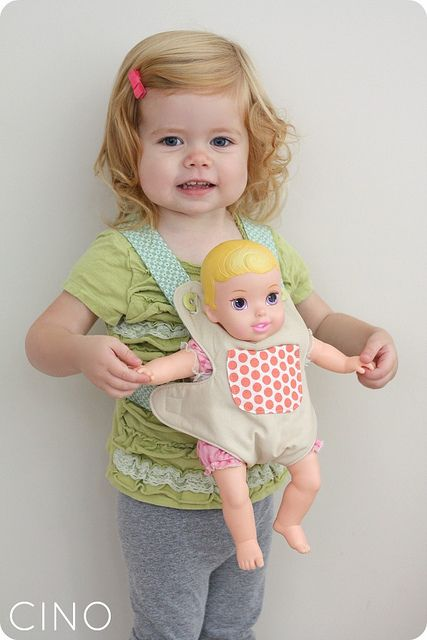 Little Things to Sew doll carrier by Ressica Jachel, via Flickr