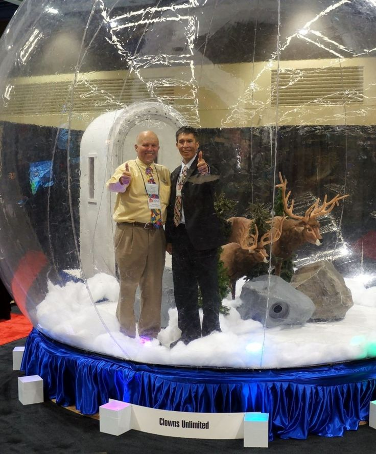 Home Decor Parties Companies: Life Size Snow Globe From Clowns Unlimited. YES! You Must