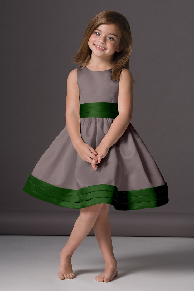 Cute little dress (it would be better if the gray was a little lighter & shiny though) - flower girl!