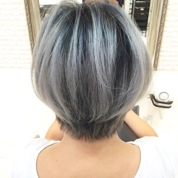 これは最強 髪を白くしたい方必見の外国人風シルバーグレーの神カラー