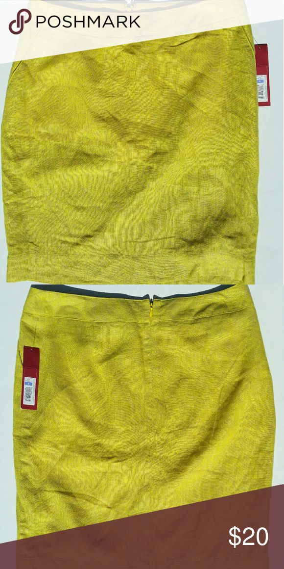 Merona  mini neon yellow skirt Vibrant neon yellow skirt with povkets! Has a nice texture and great for spring! Great condition but has a tiny snag on skirt. 4th photo  20 inches long Merona Skirts Mini