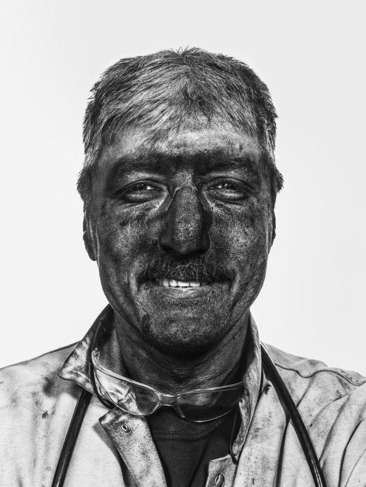 OBERIRDISCH — Michael Bader Fotograf Leipzig #OBERIRDISCH #Bergwerk #Ibbenbüren #untertage #kumpels #steinkohle #RAG  #Ruhrpott #GlückAufZukunft #michaelbaderfotografie #hardcoal  #portraitproject #lastdaysofcoal