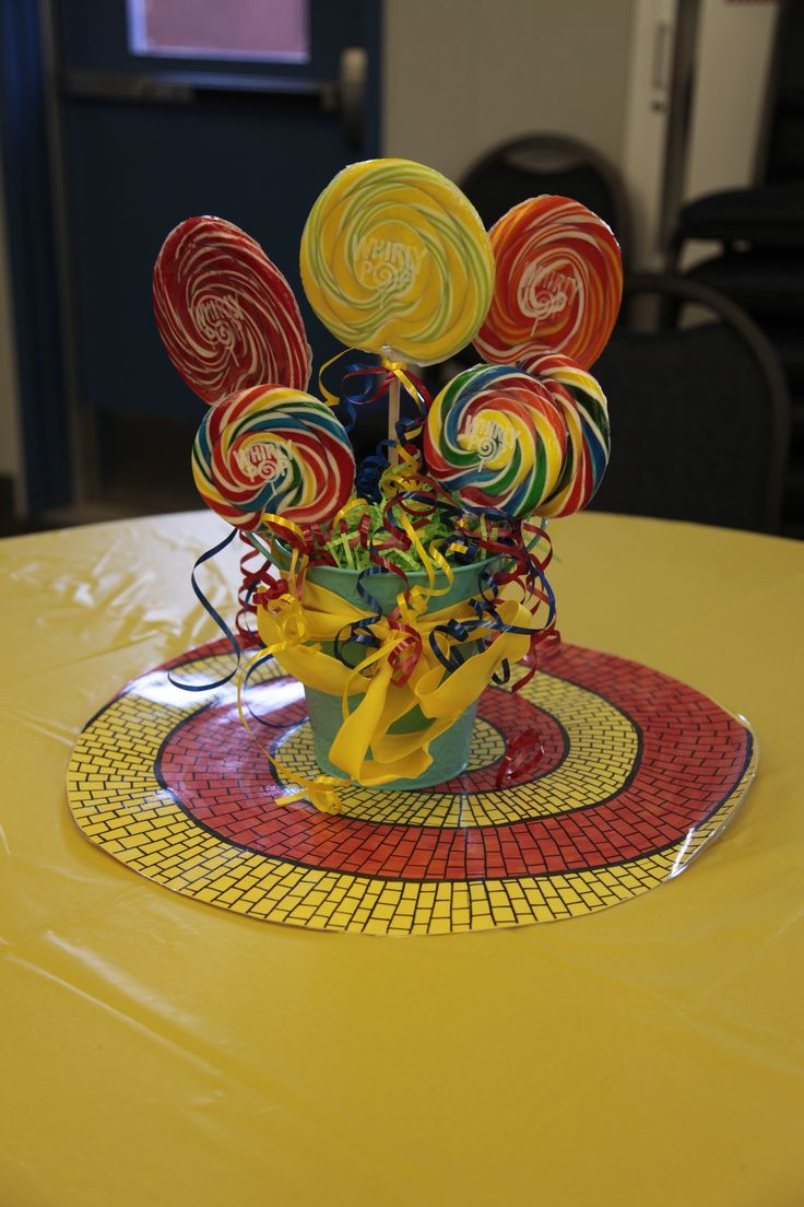 Wizard of Oz Munchkinland Lollipop centerpiece