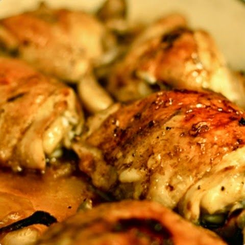 previously paleo running mom recipe.  now i can only find it on grandmasslowcookerrecipes Balsamic Garlic Basil Chicken Thighs