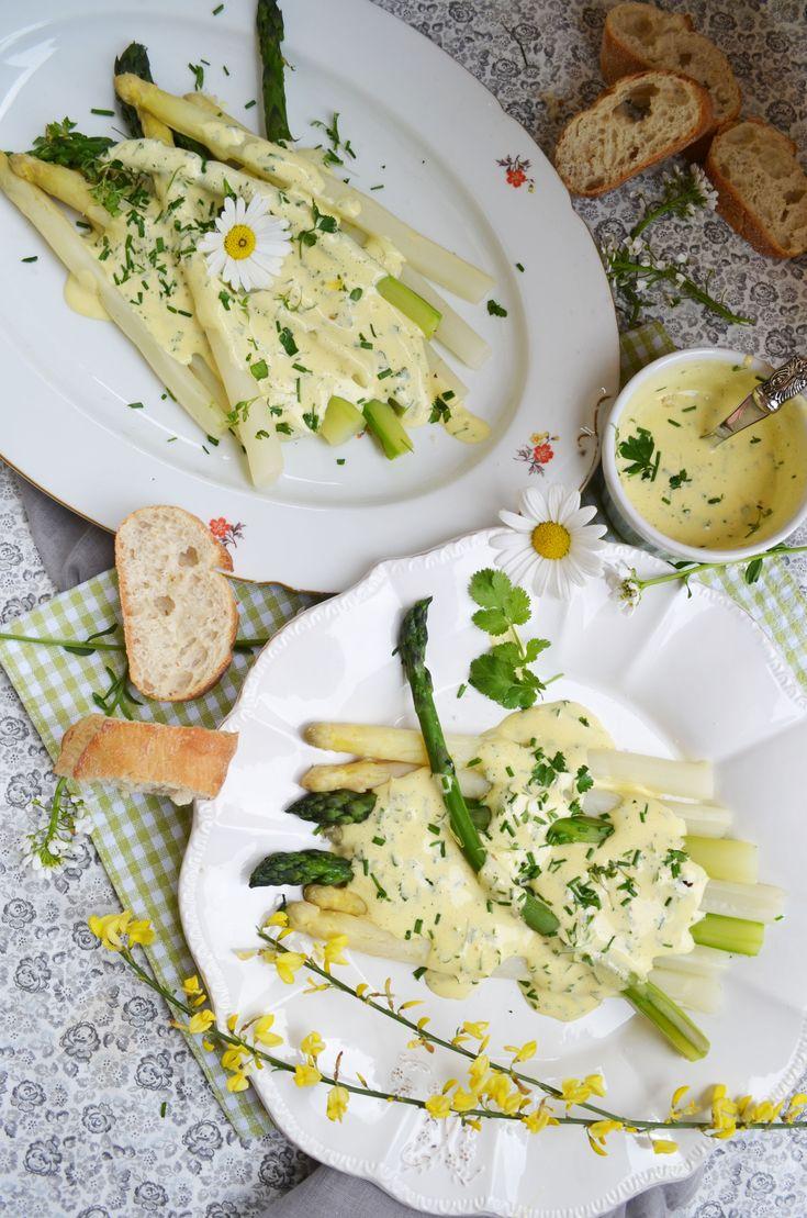 Pochierter Spargel mit Sauce #Mousseline im #Frühling #Rezept