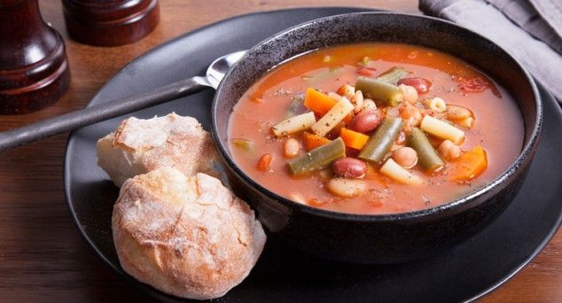 A hearty Minestrone by Veggie Mama – it's full of flavour and packed with vegies!  #soup #vegetarian #recipe